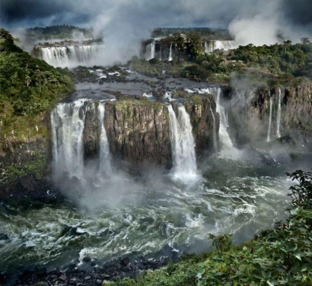 2 Iguazu-Falls